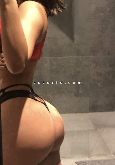 Iliana - Girl escort Paris