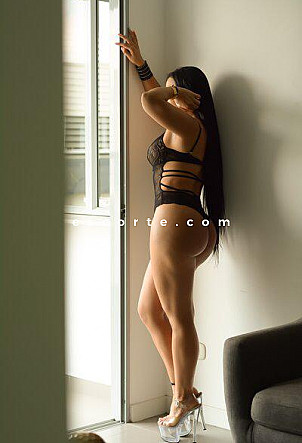 Lorena - Girl escort Paris