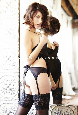 AnnaRus - Girl escort Paris
