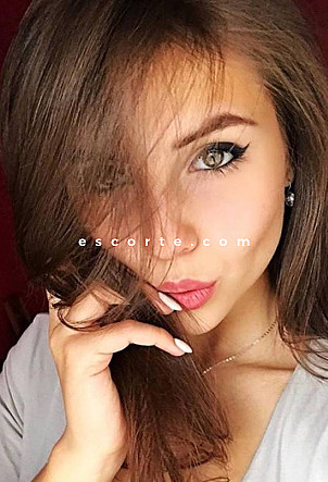 Kate - Girl escort Paris