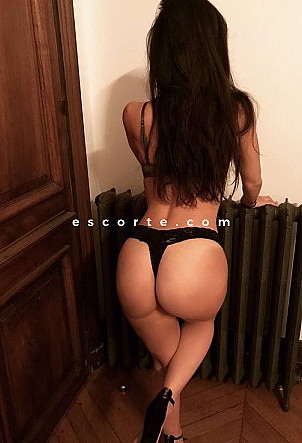 Ninaparis16 - Girl escort Paris