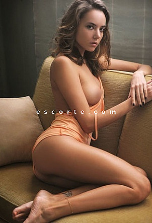 Katya - Girl escort Paris