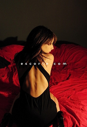 Vesper - Girl escort Paris