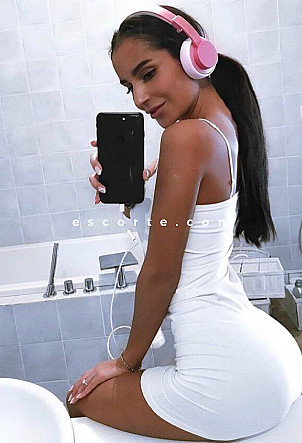 Valeriy - Girl escort Paris