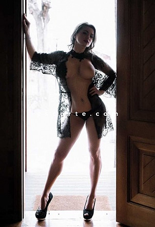 SASHA - Girl escort Grenoble
