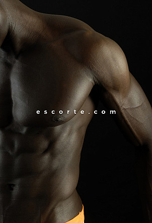 Azou - Males escort Paris