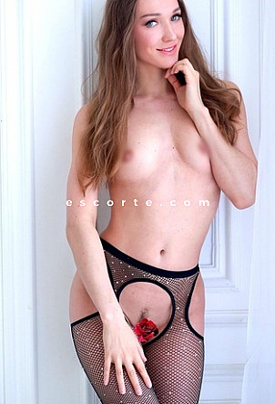 Lisa - Girl escort Paris