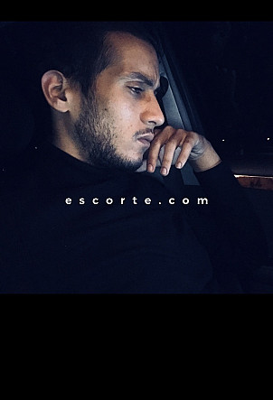 Anas - Males escort Paris