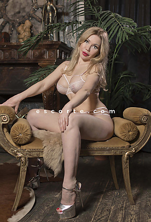 Linda - Girl escort Lyon